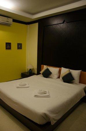 Ao Nang Beach Home: room