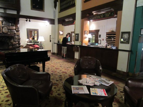 Hotel Alex Johnson Rapid City, Curio Collection by Hilton: The lobby