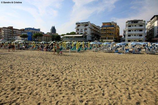 Hotel Nettuno dalla spiaggia
