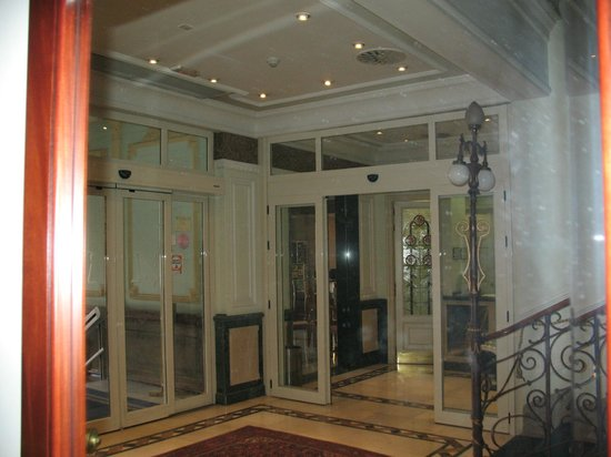 Hotel Horus Zamora: ENTRADA (INTERIOR)