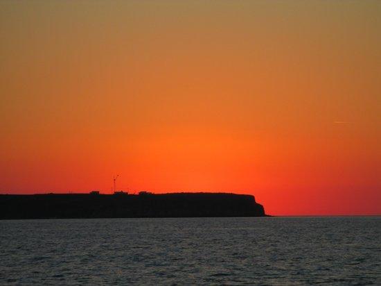 Filotera Suites: sunset from catamaran