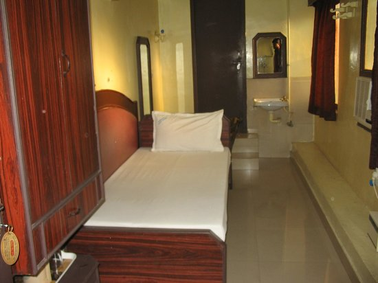 Sorrento Guest House: single bed a/c