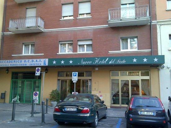 Nuovo Hotel del Porto : Entrada