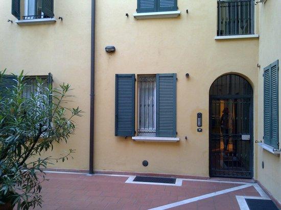 Nuovo Hotel del Porto : Patio apartamento