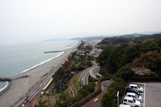 The Sakamoto Ryoma Memorial Museum: 屋上から見る桂浜。眺めもとても良いです。