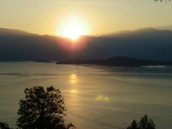 Locanda Pozzetto: coucher sur le lac vue des chambres