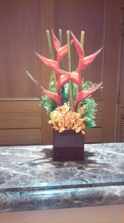 The Sherwood Taipei: BEAUTIFUL AND EXOTIC FLORAL ARRANGEMENTS