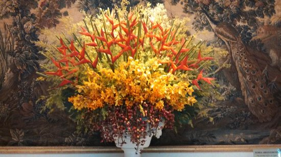 The Sherwood Taipei: BEAUTIFUL AND EXOTIC FLORAL ARRANGEMENTS - VERY WELCOMING!