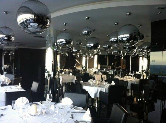 Adams Beach Hotel: Glasshouse Restaurant
