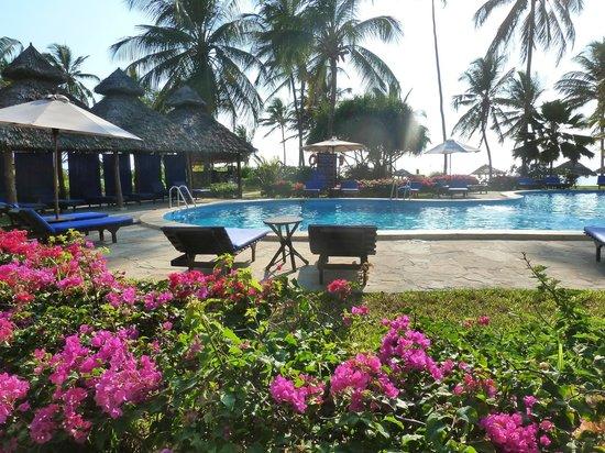 Breezes Beach Club & Spa, Zanzibar : pool