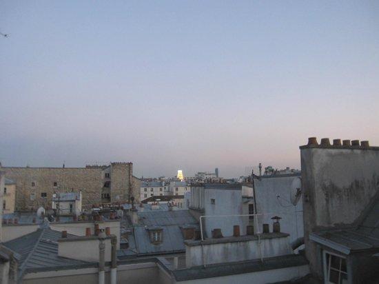 Hotel Paradis : Night view window 2 / Rex cinema