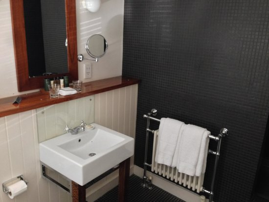 Hotel du Vin and Bistro: Classic-style sink