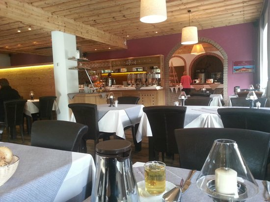 Interstar Hotel: Restaurant