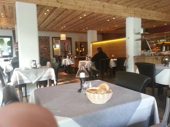 Interstar Hotel: Restaurant