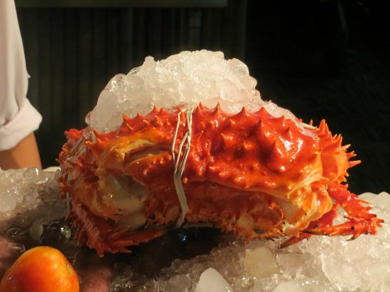 Shades Beach Restaurant & Wine Bar : King Crab