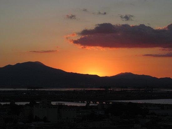 Bastione di Saint Remy: Sunset over Cagliari