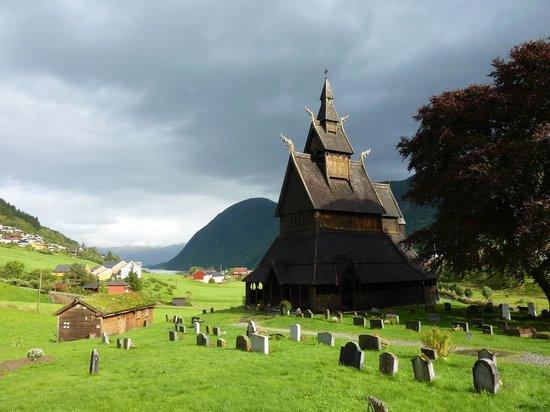 Sogn og Fjordane, Norvegia: Stavkirke de Vik, na Noruega