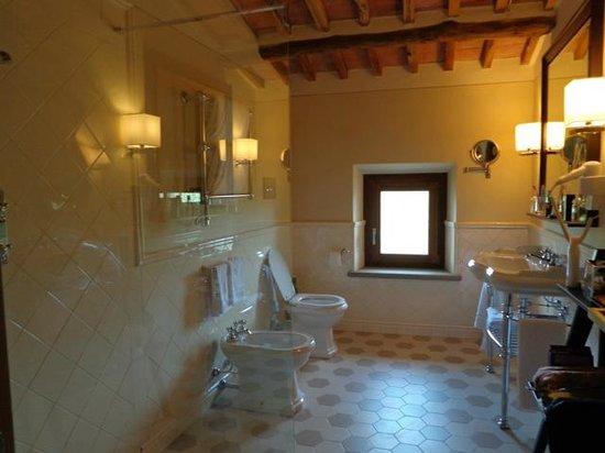 Castello La Leccia: Bad Zimmer # 6