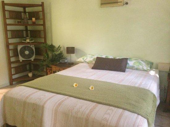Palmerston Sunset Retreat: Master bedroom