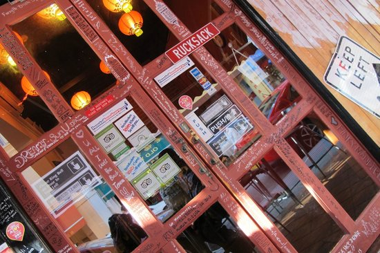 Beds and Dreams Hostel at ChinaTown: Rucksack Inn @ Temple Street Singapore