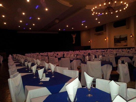 Hotel Colina Verde : Restaurante com palco para shows