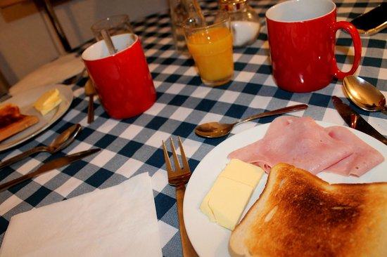 The Belgravia Hotel: Colazione