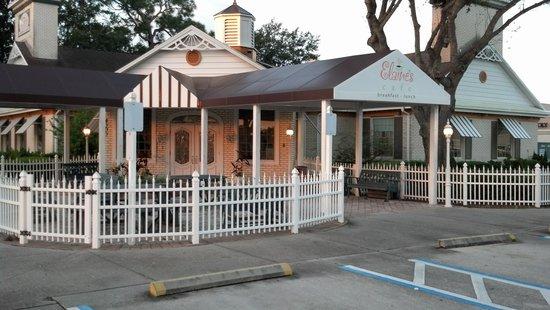 Elaine's Cafe: outside
