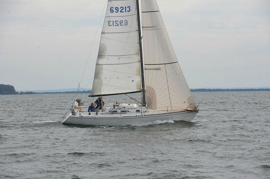 AmericInn Ashland : Sailboat Race