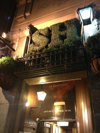 The Sherlock Holmes: entrance of SH