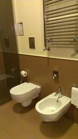 EKK Hotel: bagno