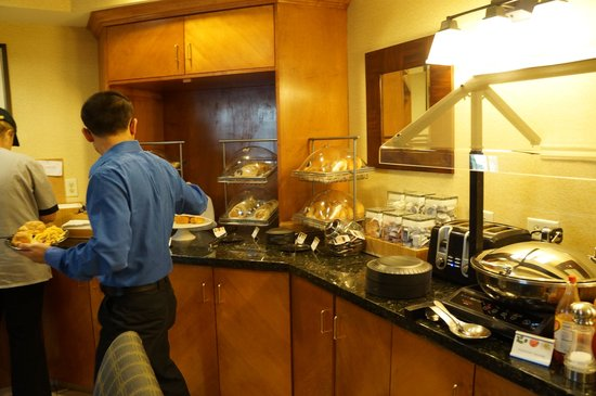 SpringHill Suites Greensboro: A decent breakfast is included