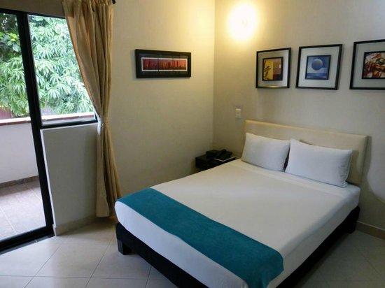 Hotel Quinta Avenida: Spacious and modern room