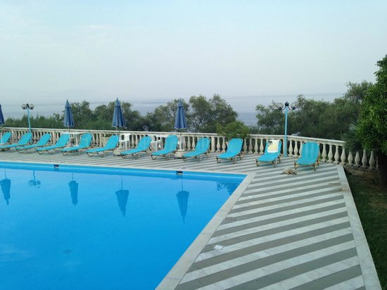 Brentanos Apartments -A View of Paradise: Pool area with view