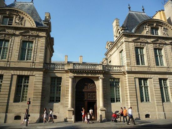 Hotel de sully picture of le marais paris tripadvisor - Location marais paris ...