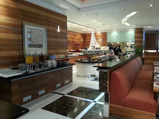 Four Points by Sheraton Downtown Dubai: One of the restaurants
