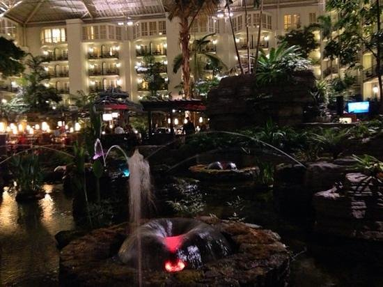 Gaylord Opryland Resort & Convention Center: inside, but outside