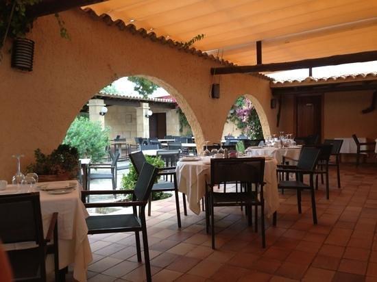 can CuarassA: Lovely courtyard
