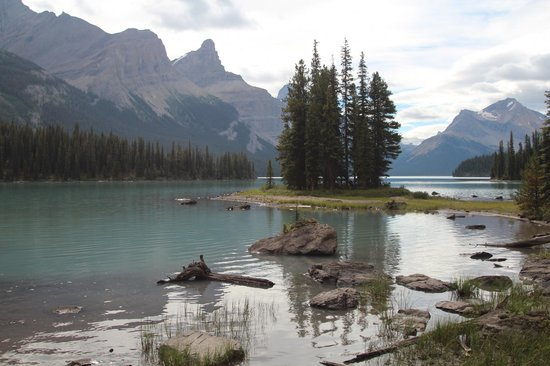 Spirit Island: Spirit Lake, Lake Maligne, Jasper
