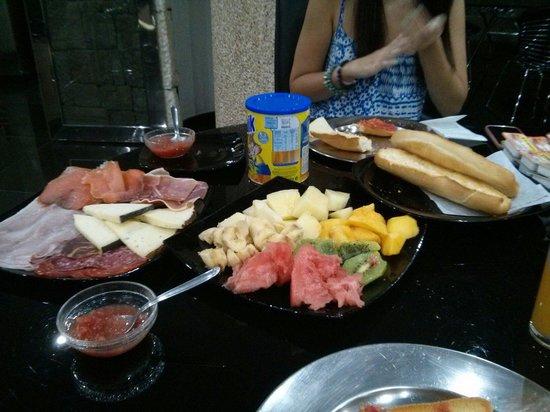 Hotel Plata: Desayuno