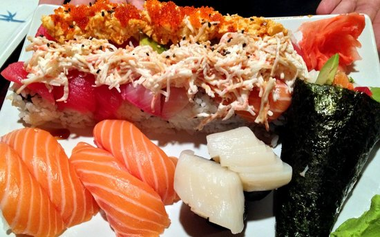 The Wok: Great sushi!