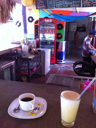 Playa del Ritmo, Beach Hostel & Bar : Breakfast (not included)