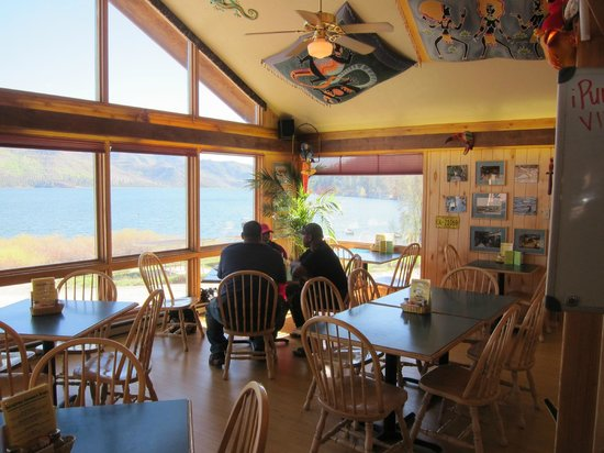 Pura Vida Cafe - dining room with view