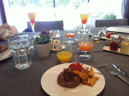 Hotel Unico Madrid: hamburguesa brunch