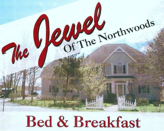 Jewel of the Northwoods Bed and Breakfast: A great getaway destination located 4.5 miles northeast of Menahga,MN on scenic Lower Twin Lake.