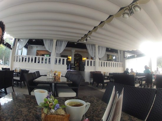 Villa Andrea: The dining