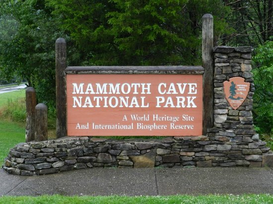 Mammoth Cave National Park: National Park Sign
