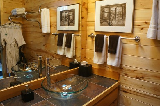 Ruidoso Lodge Cabins: vanity