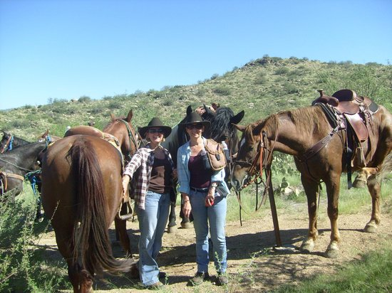 Tanque Verde Ranch: Cowgirls