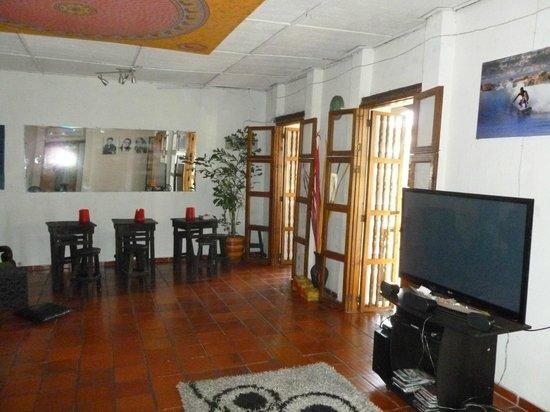 Makako Chill Out Hostel: muy lindo espacio comun, para comer, descansar o conocer gente