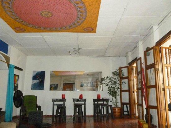 Makako Chill Out Hostel: el living comedor